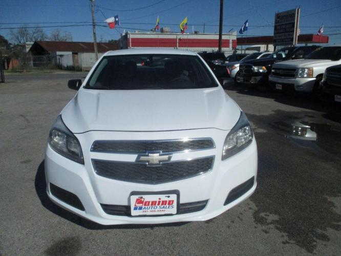 2013 WHITE CHEVROLET MALIBU LS (1G11B5SA7DF) with an 2.5L engine, Automatic transmission, located at 830 E. Canino Rd., Houston, TX, 77037, (281) 405-0440, 38.358219, -81.729942 - Photo #0