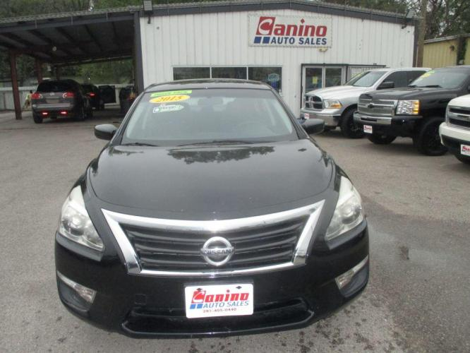 2015 BLACK NISSAN ALTIMA 2.5 (1N4AL3AP0FN) with an 2.5L engine, Continuously Variable transmission, located at 830 E. Canino Rd., Houston, TX, 77037, (281) 405-0440, 38.358219, -81.729942 - Photo #0